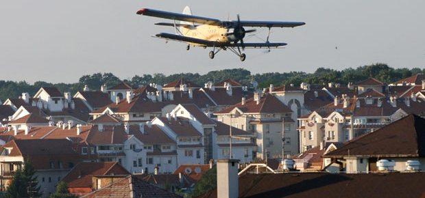 Suzbijanje komaraca iz aviona u Beogradu 13. ili 14. juna 2019. godine